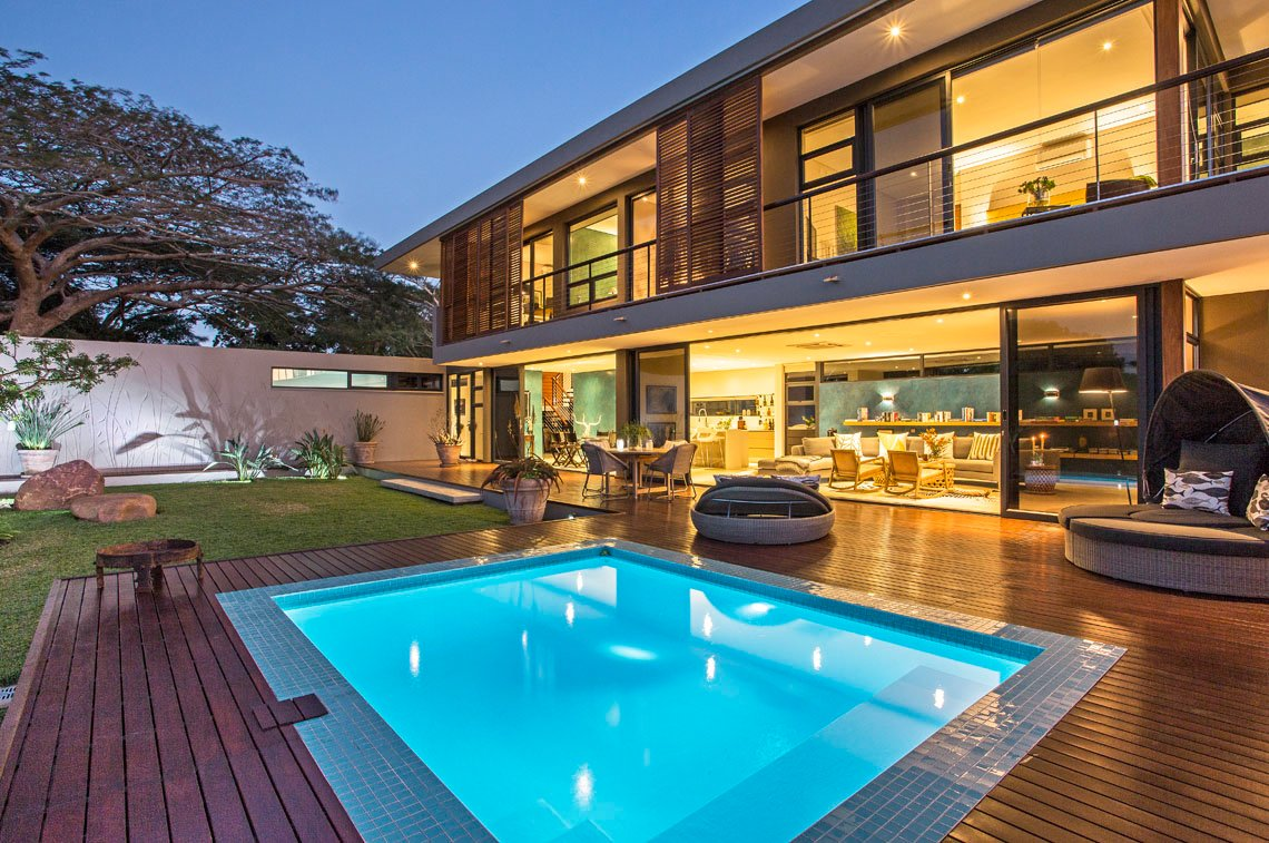 Modern-Luxury-Within-The-Aloe-Ridge-House-In-South-Africa-15